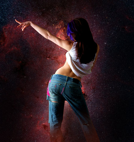How to Create a Space Girl Photo Manipulation in Adobe Photoshop CS4